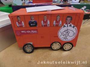 sinterklaas surprise Ajax bus