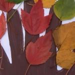 Herfstboom van handafdruk en blaadjes