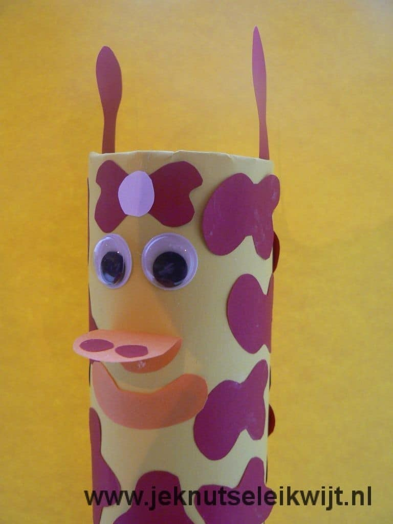 craft work giraffe